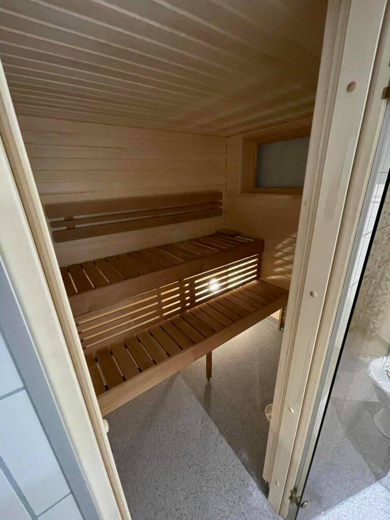 Talovaunu-sauna-talotehdas-ratastel maja, saun, saunamaja, saunatalo